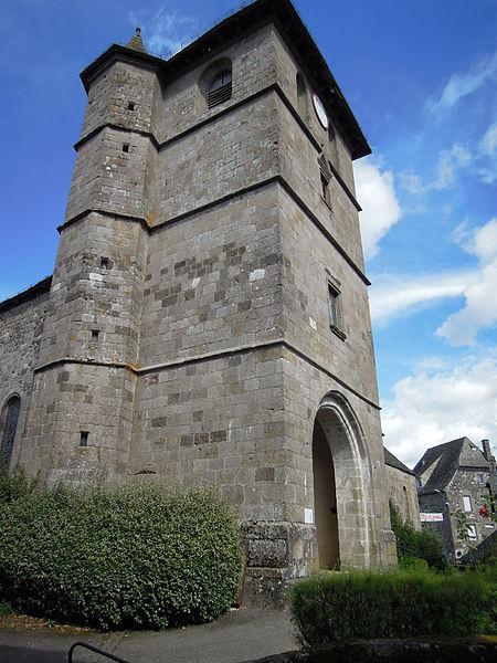 Photo du Monument Historique Eglise Saint-Pierre situé à Raulhac