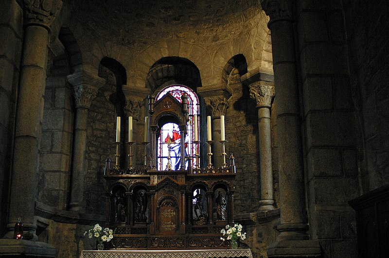 Photo du Monument Historique Eglise Saint-Georges situé à Riom-ès-Montagnes