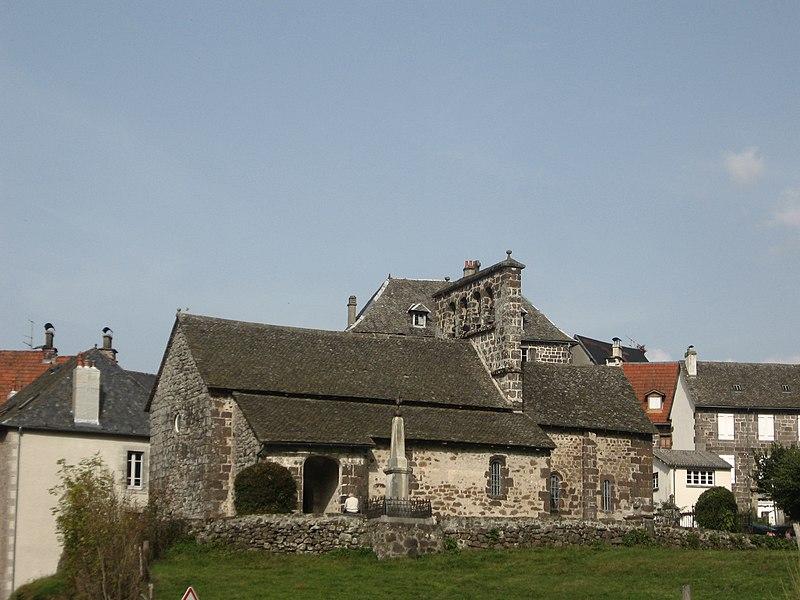 Photo du Monument Historique Eglise Saint-Cyr et Sainte-Julitte situé à Saint-Cirgues-de-Jordanne