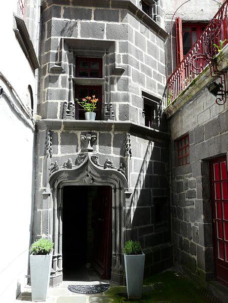 Photo du Monument Historique Ancien hôtel de Nubieu situé à Saint-Flour