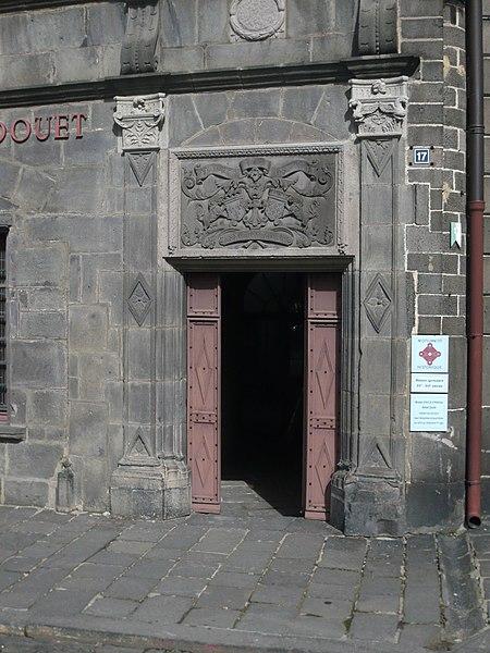 Photo du Monument Historique Maison consulaire situé à Saint-Flour