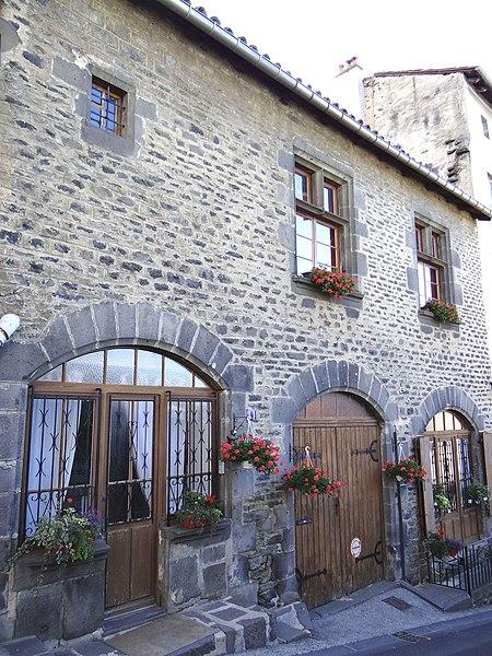 Photo du Monument Historique Maison (auberge de la Couronne) situé à Saint-Flour