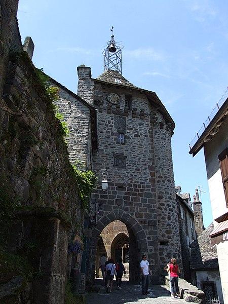 Photo du Monument Historique Beffroi appelé aussi Tour de l'horloge situé à Salers