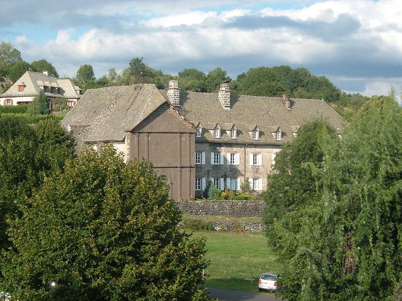 Photo du Monument Historique Hospice de Salers ou Fondation Lizet ou maison des Missionnaires situé à Salers