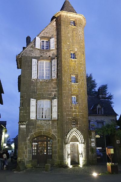 Photo du Monument Historique Maison de la Ronade situé à Salers