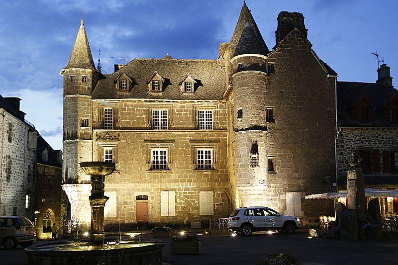 Photo du Monument Historique Maison Sevestre ou du Notaire (ancien bailliage) situé à Salers