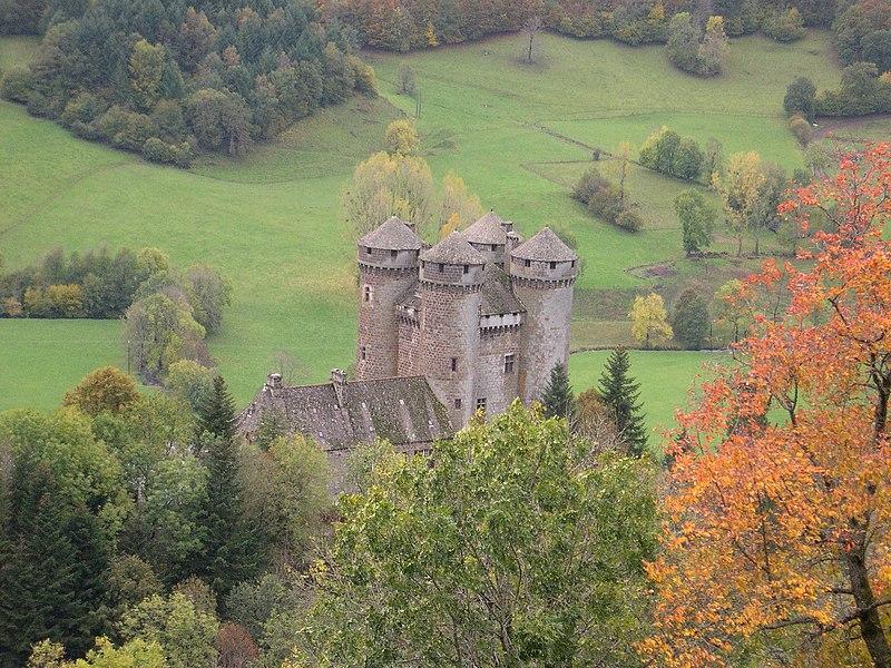 Photo du Monument Historique Domaine du château d'Anjony situé à Tournemire