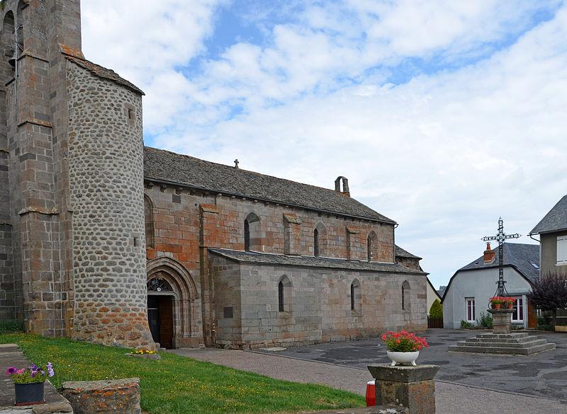 Photo du Monument Historique Eglise Saint-Saturnin situé à Valuéjols