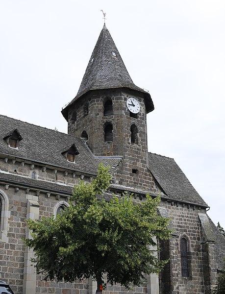 Photo du Monument Historique Eglise Saint-Pierre situé à Vic-sur-Cère