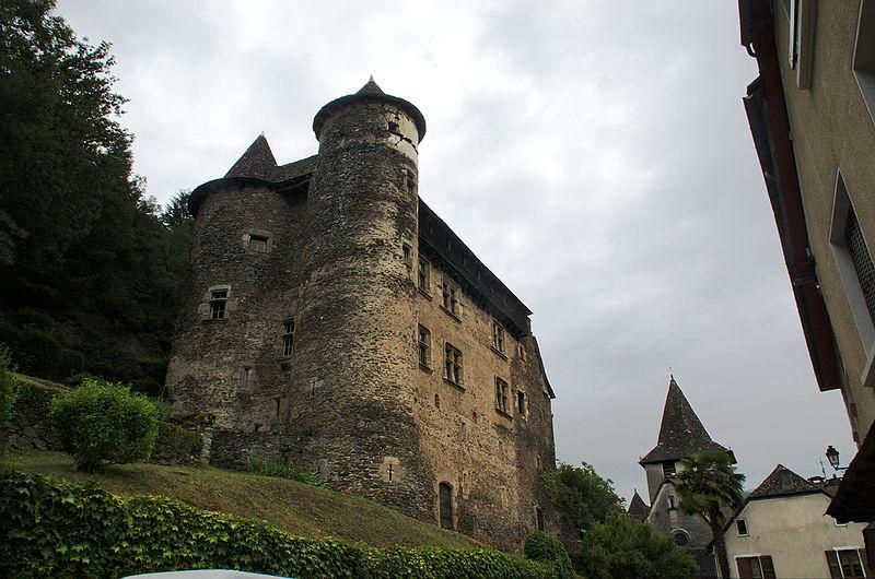 Photo du Monument Historique Château fort de Vieillevie situé à Vieillevie