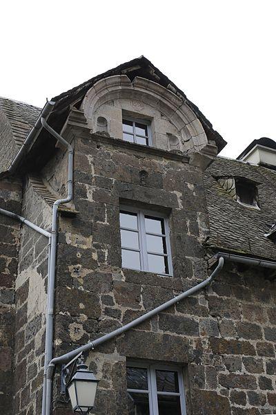 Photo du Monument Historique Maison situé à Vic-sur-Cère