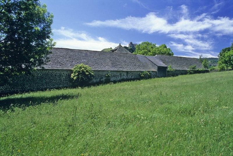 Photo du Monument Historique Ferme de la Grange situé à Murat