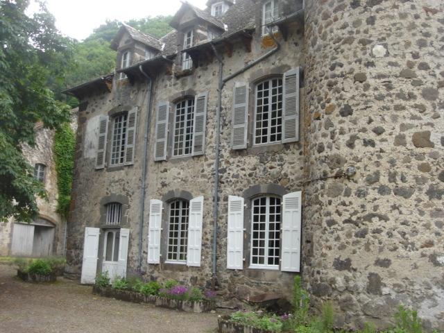 Photo du Monument Historique Château de la Laubie situé à Saint-Simon