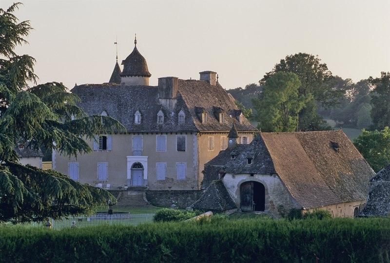 Photo du Monument Historique Château de Lamothe situé à Calvinet