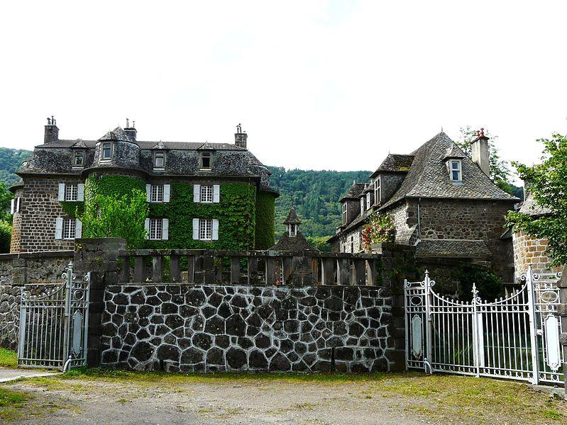 Photo du Monument Historique Château de la Voulte situé à Marmanhac