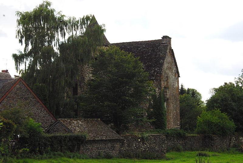 Photo du Monument Historique Château de Longevergne situé à Anglards-de-Salers