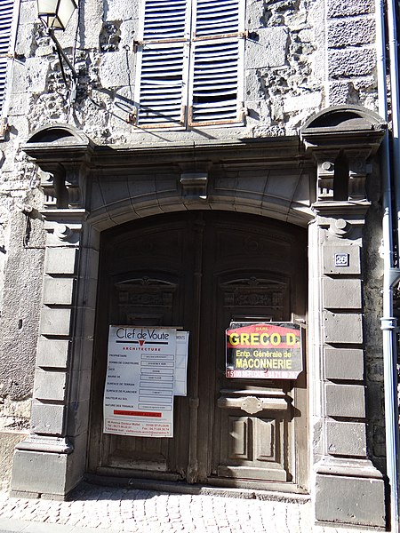 Photo du Monument Historique Hôtel de Montchauvel situé à Saint-Flour