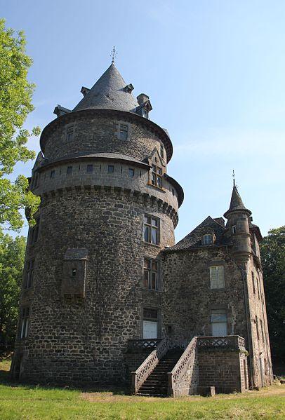 Photo du Monument Historique Château de Mazerolles situé à Salins