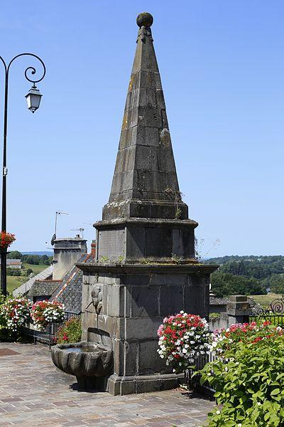 Photo du Monument Historique Fontaine de Monthyon situé à Mauriac