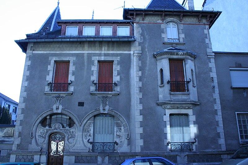 Photo du Monument Historique Villa Suzanne situé à Aurillac