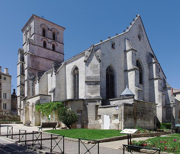 Photo du Monument Historique Eglise Saint-André situé à Angoulême