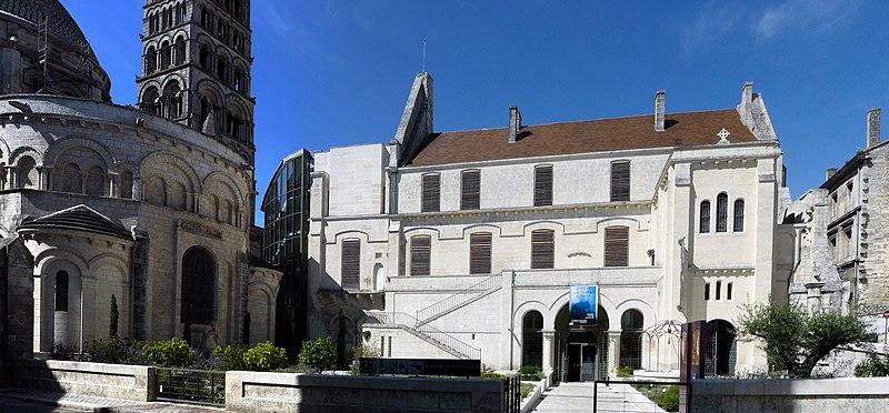 Photo du Monument Historique Ancien évêché situé à Angoulême
