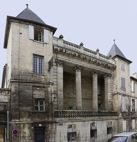Photo du Monument Historique Hôtel de Bardines situé à Angoulême