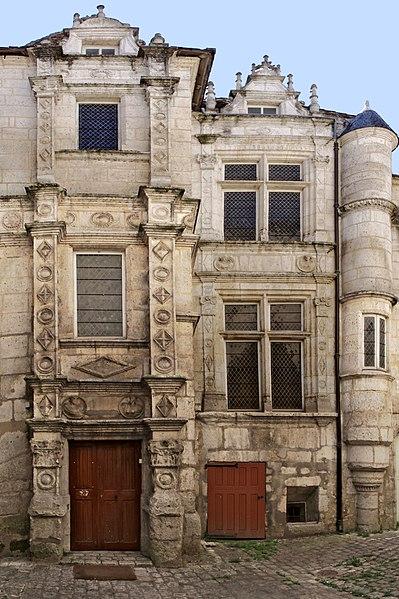Photo du Monument Historique Maison dite Maison Saint-Simon situé à Angoulême