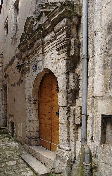 Photo du Monument Historique Porte ancienne situé à Angoulême