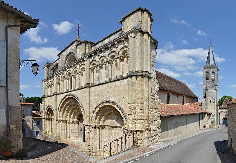 Photo du Monument Historique Eglise Saint-Jacques situé à Aubeterre-sur-Dronne