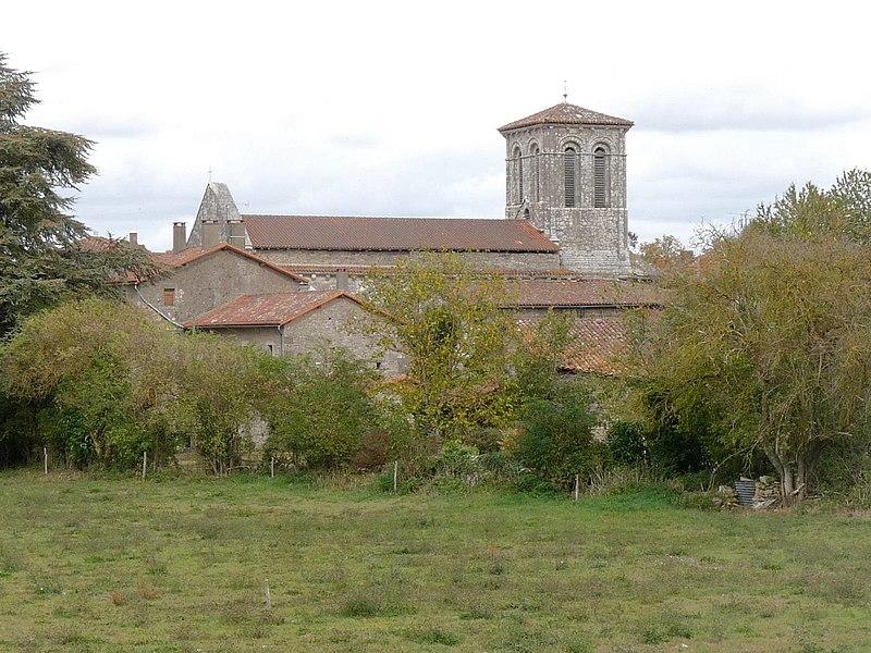 Photo du Monument Historique Eglise Saint-Justinien situé à Benest