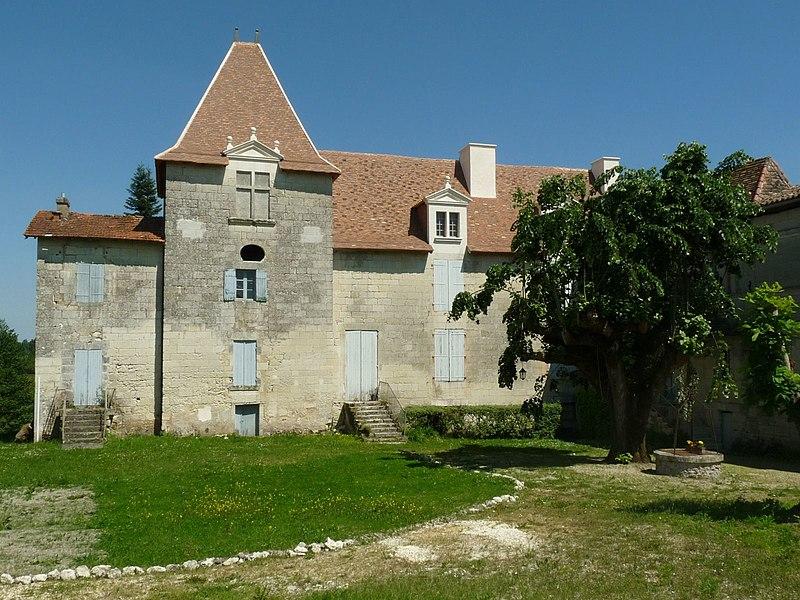 Photo du Monument Historique Château situé à Bonnes