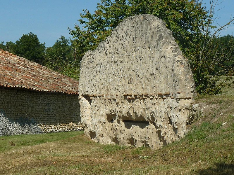 Photo du Monument Historique Restes de la villa romaine de Lacou-Dausena situé à Brossac