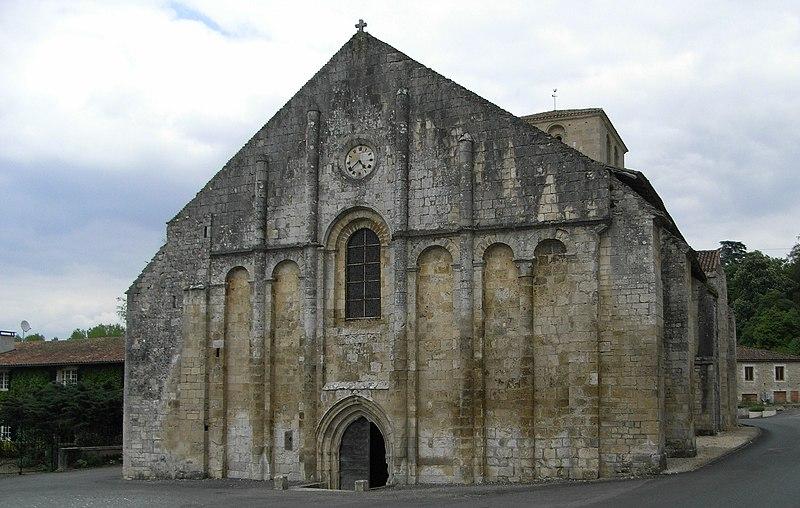Photo du Monument Historique Eglise Saint-Nicolas situé à Cellefrouin