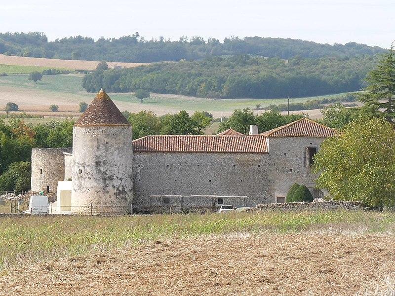 Photo du Monument Historique Logis de Puygâty situé à Chadurie