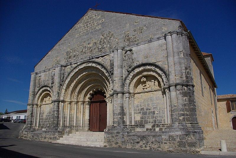 Photo du Monument Historique Eglise Saint-Martial situé à Chalais
