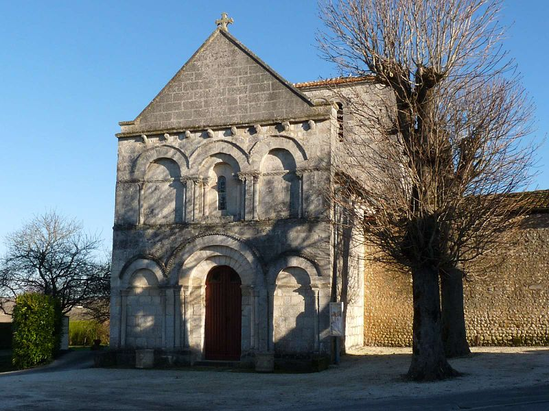 Photo du Monument Historique Eglise Saint-Christophe situé à Champagne-Vigny