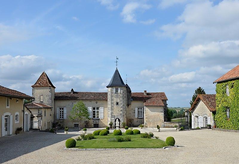 Photo du Monument Historique Logis du Maine-Giraud situé à Champagne-Vigny