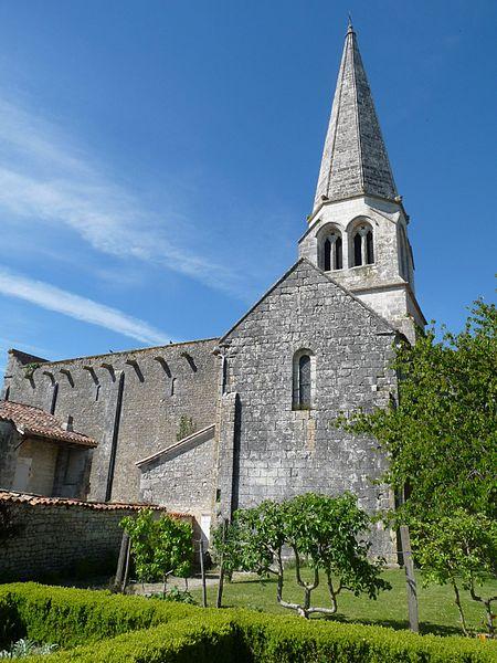 Photo du Monument Historique Eglise Notre-Dame situé à Charmant