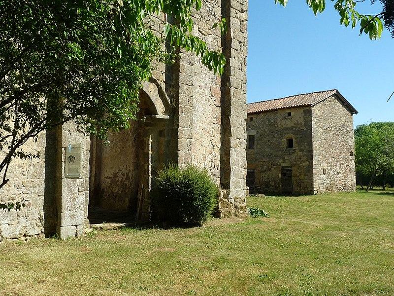 Photo du Monument Historique Ancien prieuré situé à Cherves-Châtelars