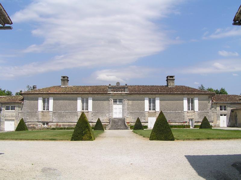 Photo du Monument Historique Logis de Boussac situé à Cherves-Richemont