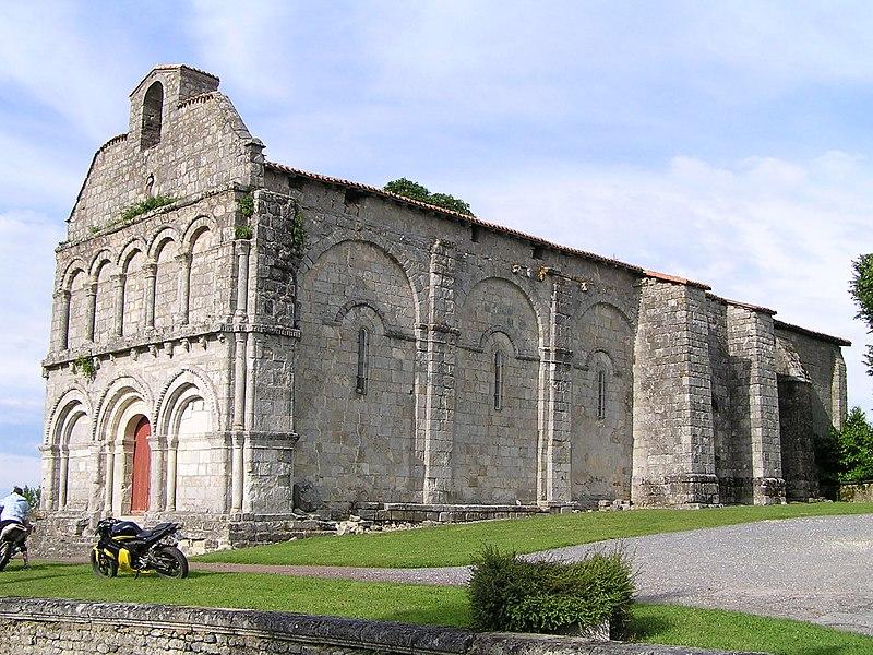 Photo du Monument Historique Eglise Saint-Sulpice situé à Chillac
