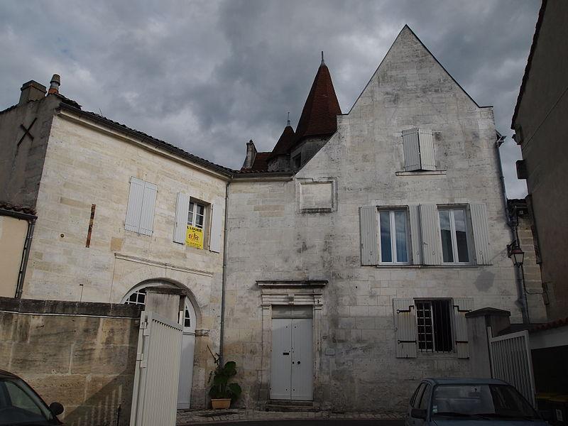 Photo du Monument Historique Ancien hôtel Duplessis situé à Cognac