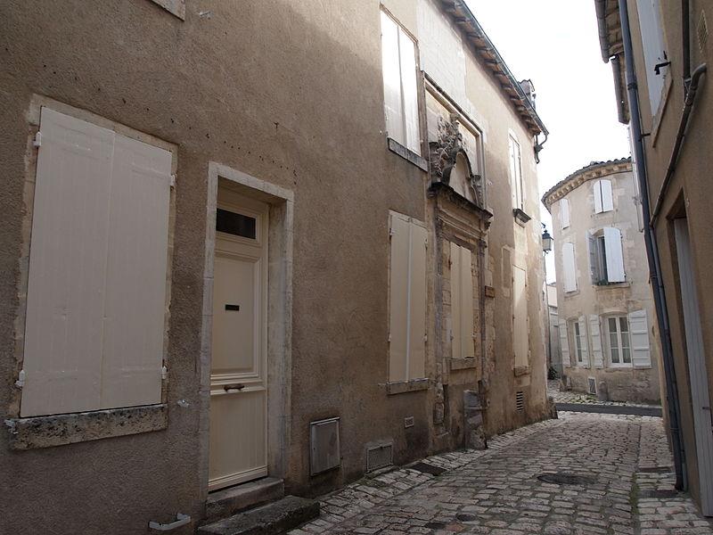 Photo du Monument Historique Ancien hôtel de l'Esclopart situé à Cognac