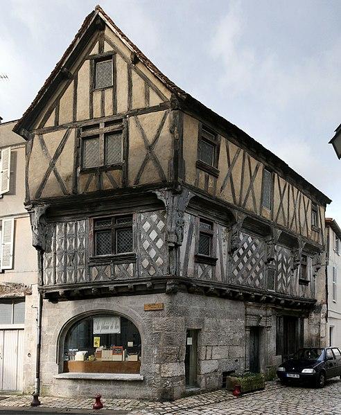 Photo du Monument Historique Immeuble dit Maison Lestrade ou Maison de la Lieutenance situé à Cognac