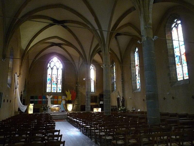 Photo du Monument Historique Eglise Saint-Maxime situé à Confolens