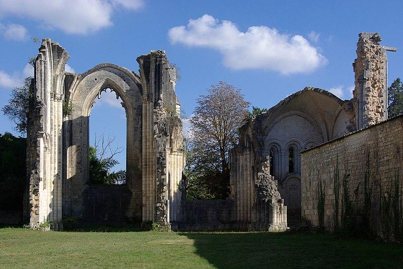 Photo du Monument Historique Ancienne abbaye Notre-Dame de la Couronne situé à Couronne (La)