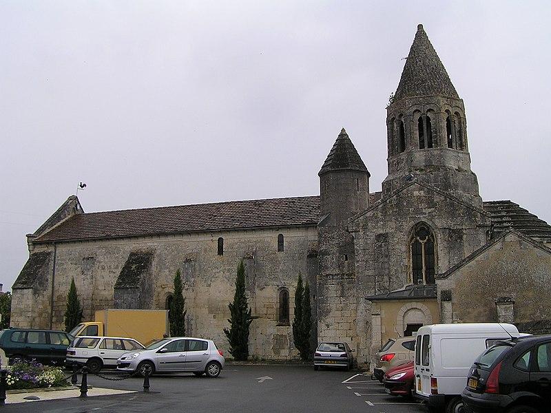 Photo du Monument Historique Eglise Saint-Jean-Baptiste situé à La Couronne