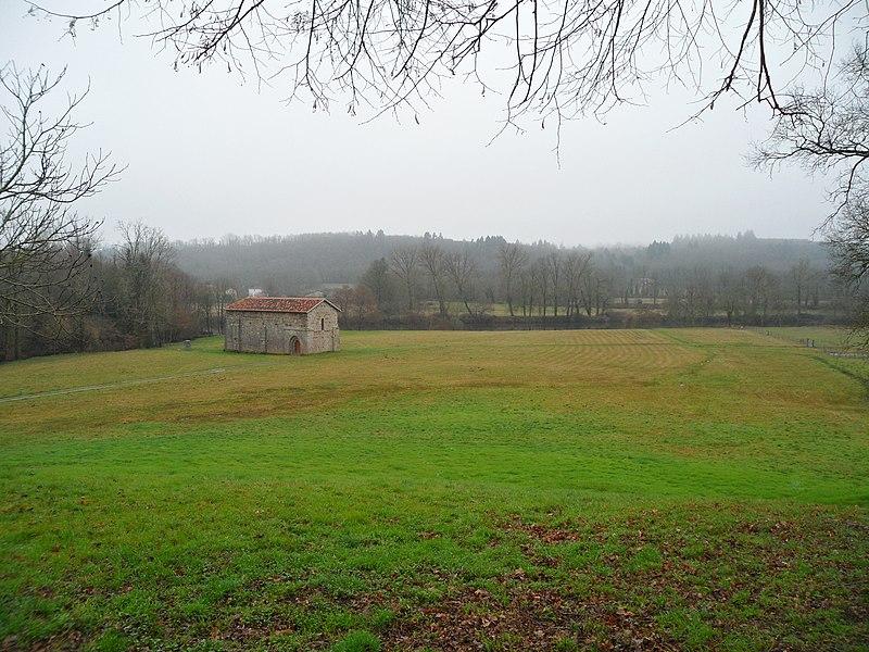 Photo du Monument Historique Ancien prieuré d'Etricor situé à Etagnac