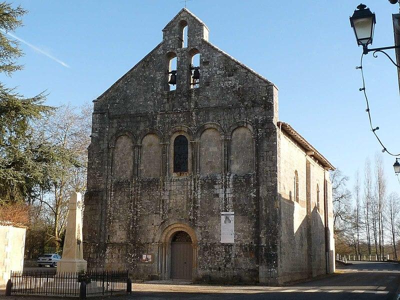 Photo du Monument Historique Eglise Saint-Pierre situé à Feuillade